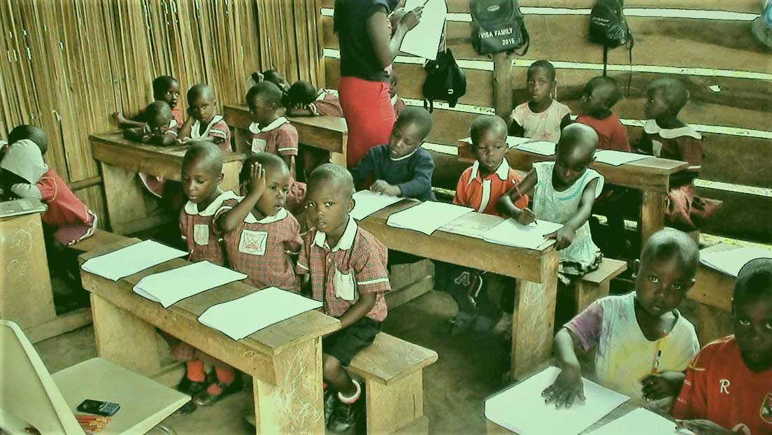 Edem Kofi Boni design of Bendecio School children in classroom